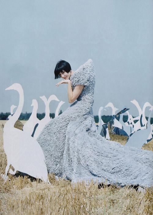 tim-walker-swans